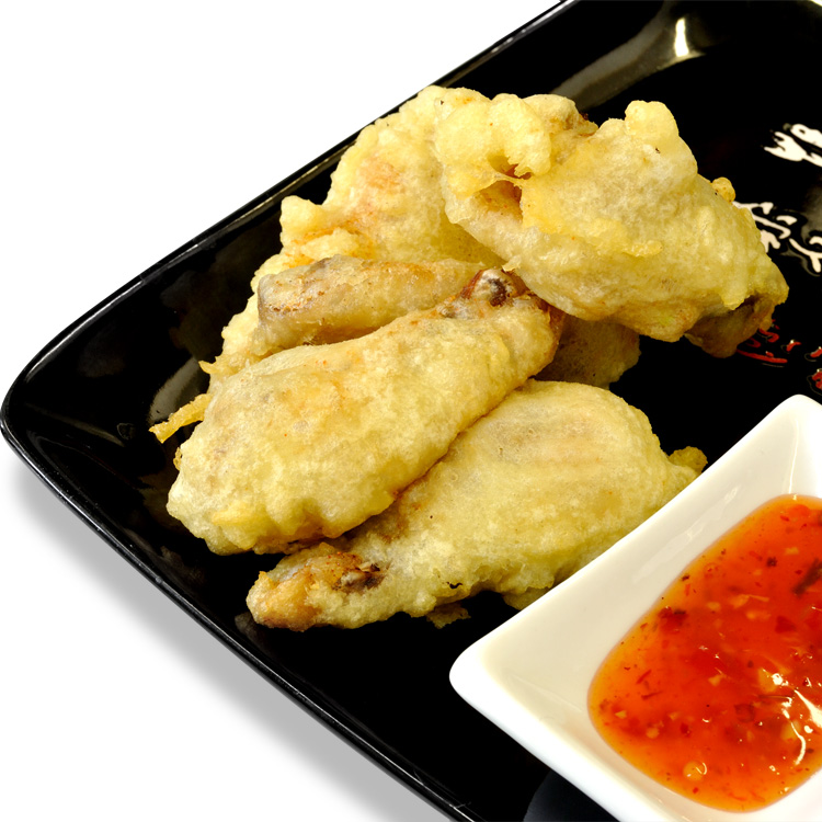Tempura with chicken wings and spicy sauce