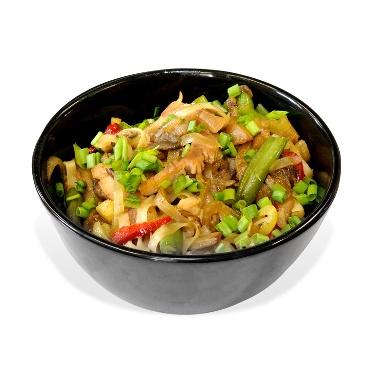 Udon noodles with veal, mushrooms and asparagus
